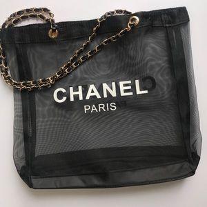 Super cool Chanel tote🌺🌺🌺